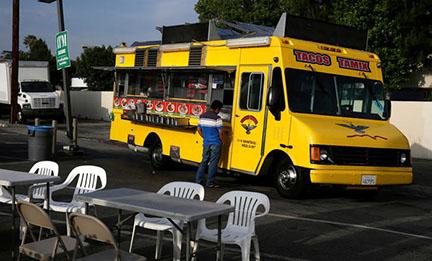LA Times columnist provides insights, avoids hunger